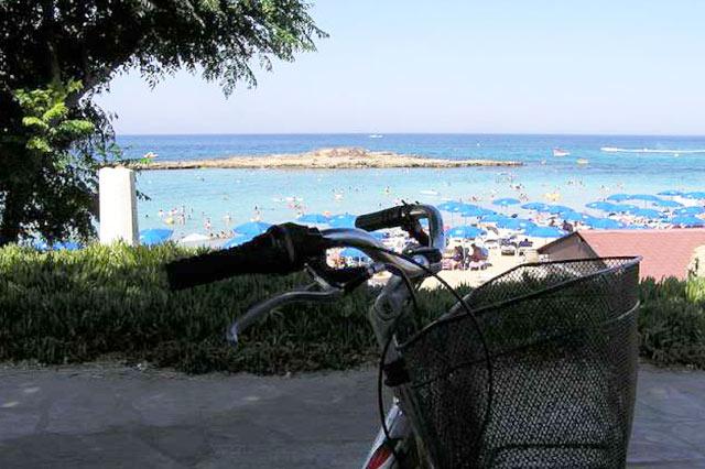 beach-restaurant-cyprus-pernera-protaras-polyxenia-isaak