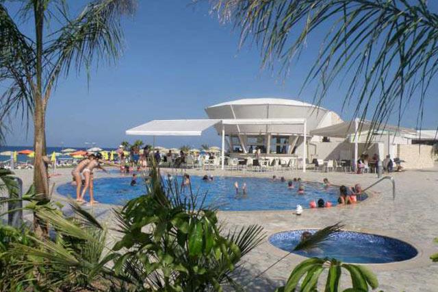pool-bar-restaurant-cyprus-pernera-protaras-polyxenia-isaak-4
