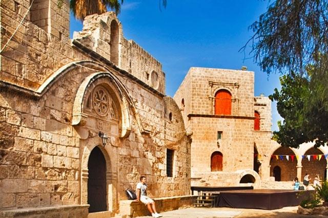 restaurant-cyprus-protaras-polyxenia-isaak-ayia-napa-monastery