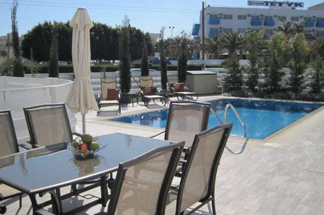 wedding restaurant cyprus pernera protaras polyxenia isaak cafeteria.jpg_0017_09